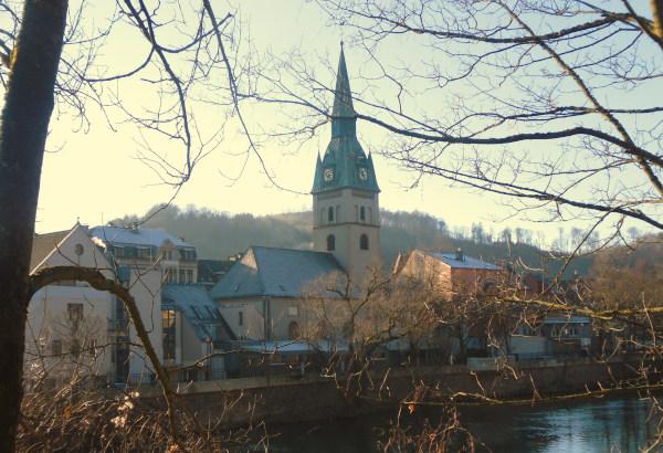 Das Kirchengebäude im Tal der Lenne (c) Biologische Station Hagen e.V.
